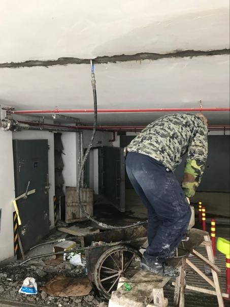 地下车库堵漏顶板渗漏水
